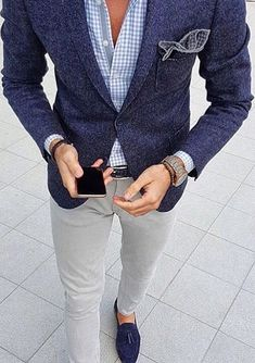 Sam) I'll wear blue since my twins in white. Anyone need a date?