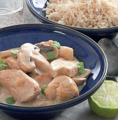 Prøv denne skønne opskrift på kylling i karry med kokosmælk.