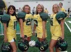 Oregon ducks hot college cheerleaders