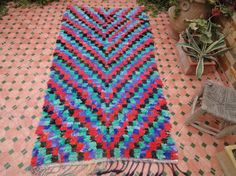 carpet runner/boucherouite by moroccowool on Etsy Recycled Fabric, Carpet Runner, Bohemian Rug, Textiles, Sewing, Pattern, Handmade, Stuff To Buy, Etsy