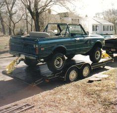 72 K5 blazer.......wish that trailer was headed to my house!!