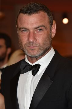 Liev Schreiber Photos - Liev Schreiber attends the premiere of 'The Bleeder' during the Venice Film Festival at Sala Grande on September 2016 in Venice, Italy. - Liev Schreiber Photos - 163 of 6569 Young Actors, Hot Actors, Actors & Actresses, Diy Beauty Care, Joseph Fiennes, Ray Donovan, Liev Schreiber, Impossible Dream, Star Wars