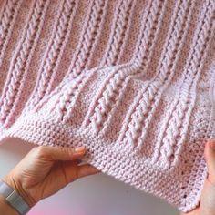 Crochet Easy Beginner Cable Blanket Tutorial With Written Pattern – My CMS – Knitting Blanket 2020 Crochet Afghans, Crochet Baby Blanket Beginner, Afghan Crochet Patterns, Baby Knitting, Knitting Ideas, Crochet Cable Stitch, Bobble Stitch, Single Crochet Stitch, Crochet For Beginners