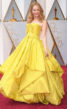 Oscars 2017: The Boldest Gowns on the Red Carpet - Leslie Mann in Zac Posen