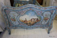 Handpainted antique French/Italianate daybed.