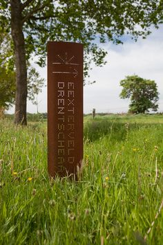 Corten steel metal rusted post posts for driveway entry exterior . could cut something into post like address number and last name and light up from inside Strootman_landscape_architecture_Belvederes_Drentsche_Aa cor-ten steel signage Invite Design, Signage Design, Pylon Signage, Wayfinding Signage, Environmental Graphic Design, Environmental Graphics, Landscape Architecture, Landscape Design, Monuments
