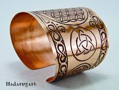 Copper Bracelet, Cuff Bracelets, Copper Artwork, Napkin Rings, Tattoos, Clipuri Video, Romania, Jewelry, Artist