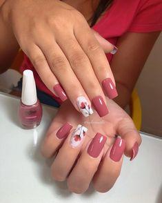 Image may contain: one or more people Pink Tip Nails, Fancy Nails, Pink Nails, Pretty Nails, Elegant Nails, Stylish Nails, Best Acrylic Nails, Acrylic Nail Designs, Ambre Nails