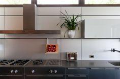 Kitchen designed by Abramson Tieger Architects. www.abramsonteiger.com