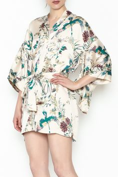 91450bcba8d8f2 91 Best Eye-Catching Kimonos images