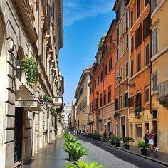 Ahhh que lindo esse centro hoje!!! Lá no fundooooo bem lá no fundo está a Piazza di Spagna.  .