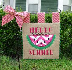 Custom Burlap Garden Flag - Hello Summer - Embroidery Applique - Single sided by… Burlap Yard Flag, Burlap Garden Flags, Burlap Projects, Burlap Crafts, Diy Crafts, Diy Projects, Fabric Placemats, Yard Flags, Custom Flags