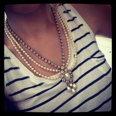 From House of Lavande's July 19th Pick of the Day: 1940's pearl and diamante necklace.. I love this... and I'm thinking I can recreate it with mypearl necklaces and a broach I have.
