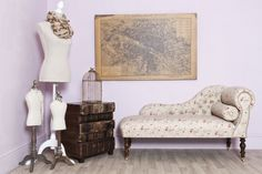 This superb traditional antique style rambling rose chaise is beautifully upholstered with a pair of matching bolster cushions for additional comfort