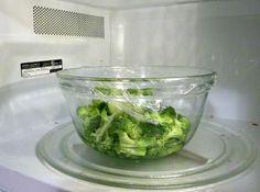 Receta de ensalada de brócoli Chow Mein, Broccoli Cauliflower, Le Chef, Wok, Lettuce, Cabbage, Food And Drink, Yummy Food, Vegetables