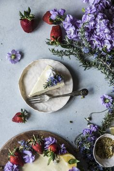 http://www.fotogrammidizucchero.com/2017/04/torta-bavarese-limone-camomilla-chamomile-lemon-bavarian-cake.html