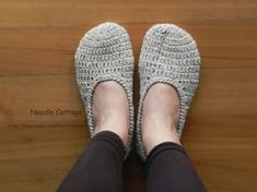Diy And Crafts, Slippers, Knitting, Blog, Shoes, Barefoot, Fashion, Easy Crochet Shawl, Accessories