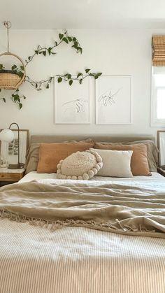 Room Design Bedroom, Room Ideas Bedroom, Home Bedroom, Bedroom Artwork, Bedroom Rustic, Bedroom Simple, Bedroom Modern, Bedroom Vintage, Cream Bedroom Decor
