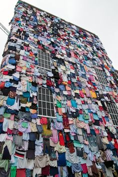 """Shwopping"" project by Marks displays 10,000 discarded clothes to encourage recycling & decreasing waste"