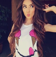 OMG I love her Hair! I wish my hair would look like this. Pretty Hairstyles, Easy Hairstyles, Wavy Haircuts, Dark Flower, Victoria Secret Hair, Tips Belleza, Look At You, Hair Dos, Gorgeous Hair