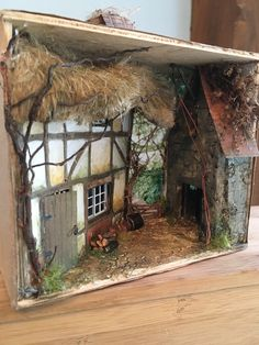 Dollhouses, Diorama, Lust, Boxes, Cottage, Cabin, House Styles, Shop, Crafts