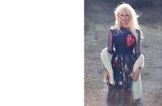 En couverture   Kirsten Dunst sur son style   magazine   NET-A-PORTER.COM