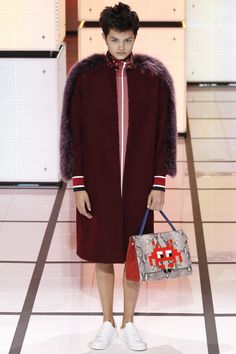 Anya Hindmarch Fall 2016 Ready-to-Wear Fashion Show http://www.theclosetfeminist.ca/ http://www.vogue.com/fashion-shows/fall-2016-ready-to-wear/anya-hindmarch/slideshow/collection#22