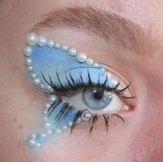 Edgy Makeup, Makeup Eye Looks, Eye Makeup Art, Cute Makeup, Pretty Makeup, Skin Makeup, Grunge Makeup, Fairy Eye Makeup, Doll Eye Makeup
