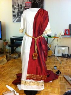 Natalie's Creations - DIY Julius Caesar Halloween Costume
