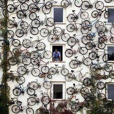 Creative advertising: bicycle shop in Altlandsberg, Germany