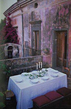 alfresco on a tiny balcony....Sicily...