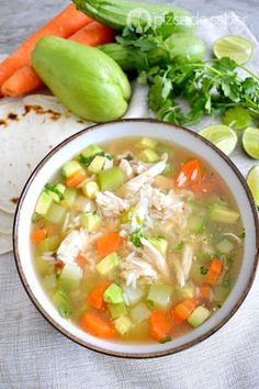 Caldo de pollo con arroz - Art Tutorial and Ideas Mexican Food Recipes, Soup Recipes, Chicken Recipes, Dinner Recipes, Cooking Recipes, Healthy Recipes, Mexican Dishes, Love Food, Food And Drink
