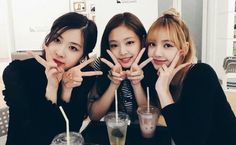 BLACKPINK Rosé, Jennie and Lisa