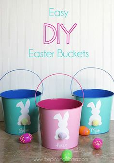 Super easy custom DIY Easter Basket with a FREE cut file for your Silhouette CAMEO or Portrait.