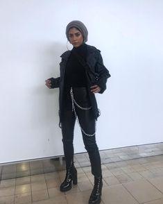Modern Hijab Fashion, Street Hijab Fashion, Hijab Fashion Inspiration, Muslim Fashion, Modest Fashion, Edgy Outfits, Retro Outfits, Grunge Outfits, Fashion Outfits