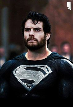 Justice League: New Image of Henry Cavill as Superman With Beard in Black Suit…