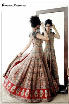 for the love of anarkali, love the peacock motifs! Indian Gowns, Indian Attire, Pakistani Dresses, Indian Outfits, Indian Clothes, Indian Wear, Kurti Designs Party Wear, Kurta Designs, India Fashion