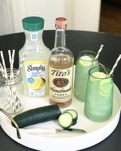 Summer In a Cup: The PERFECT 3 ingredient cocktail - Crisp Collective Recipes Party Drinks, Cocktail Drinks, Fun Drinks, Champagne Drinks, Easy Whiskey Drinks, Drinks With Mint, Refreshing Alcoholic Drinks, Jack Daniels Honey Drinks, Simple Vodka Cocktails