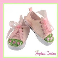 Create Very Hungry Caterpillar shoes for K's party Little Girl Shoes, Little Girl Fashion, Little Girls, Baby Girls, Bling Baby Shoes, Baby Bling, Bling Bling, Caterpillar Shoes, Very Hungry Caterpillar