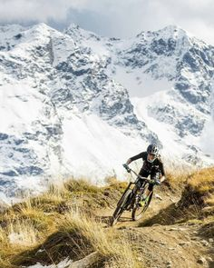 As a beginner mountain cyclist, it is quite natural for you to get a bit overloaded with all the mtb devices that you see in a bike shop or shop. There are numerous types of mountain bike accessori… Road Bikes, Cycling Bikes, Cycling Equipment, Mtb, Cannondale Mountain Bikes, Road Trip, Buy Bike, Road Bike Women, Bicycle Tires