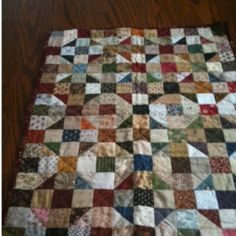 Great scrap quilt  This is what I am making with all my scrappy 2 1/2 inch half triangles.