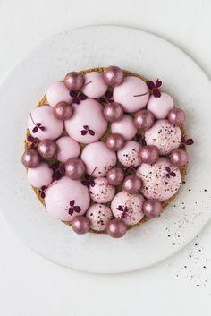 Nytårsdessert: Kirsebærmoussekage med lakrids