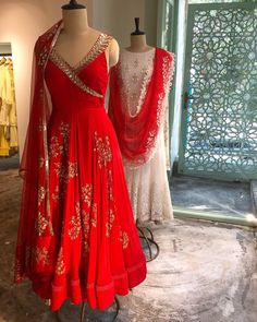 It's the season to RED ❤️❤️❤️❤️. Just in time for Karwa Chauth Shop the festive collection at our store in Delhi and be festive season ready ❤️❤️❤️❤️. Indian Gowns, Indian Attire, Pakistani Dresses, Indian Wear, Kurti Designs Party Wear, Kurta Designs, Dress Designs, Blouse Designs, Indian Wedding Outfits