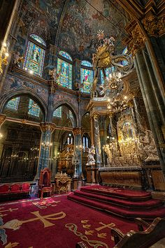 Cathedral Architecture, Sacred Architecture, Religious Architecture, Amazing Architecture, Die Renaissance, Church Interior, Old Churches, Cathedral Church, Beautiful Castles