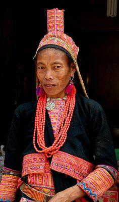 Une femme Akha Pala | by Christian Mathis Laos, Vietnam, Costume Noir, Chiang Rai, Southeast Asia, Captain Hat, Christian, People, Ethnic
