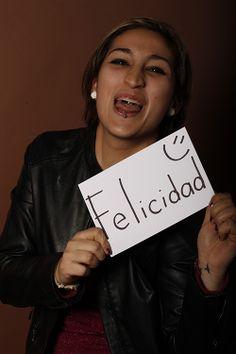 Happiness, Karla Salas, Lic. En Ciencias de la Comunicación, Monterrey, México