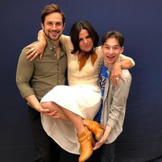 Andrew J West, Lana Parrilla & Jared Gilmore Once Upon A Time Funny, Once Up A Time, Emilie De Ravin, Outlaw Queen, Ouat Family Tree, Series Movies, Movies And Tv Shows, Tv Series, Robbie Kay Peter Pan