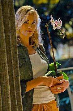 Season 7 and 8, Dexter's  love interest....Hannah McKay played by Yvonne Strahovsk