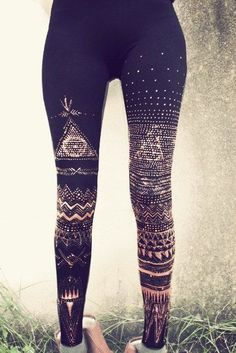 bleach patterns on black leggings