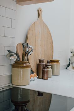 Vintage Kitchenalia And Large Chopping Board - A Modern Country Farrow & Ball Downpipe And Skimming Stone Kitchen With Oak Parquet Flooring Open Plan Kitchen Living Room, Home Decor Kitchen, Kitchen Interior, Kitchen Design, Rock My Style, Style Uk, Kitchen Maker, Oak Parquet Flooring